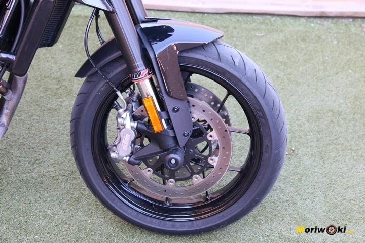Prueba KTM 790 Duke rueda delantera