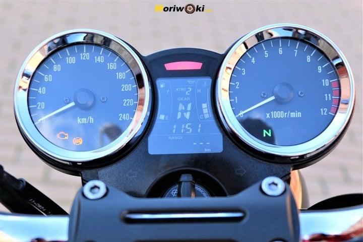 Relojes clásicos de la Z900RS
