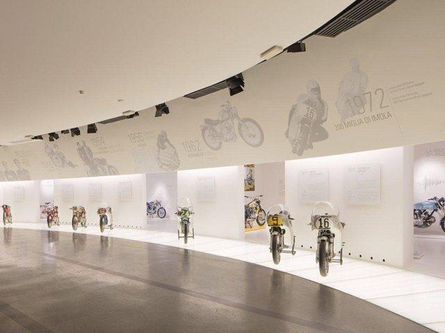 El resplandor del museo Ducati