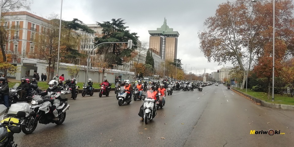 Madrid en moto llegada a recoletos