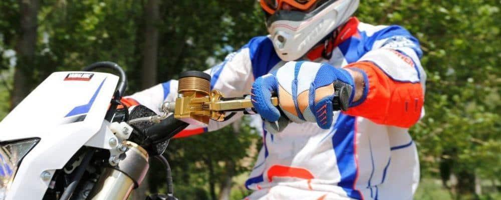 Manetas para Motos – Aspectos más importantes y Cómo Elegir la Mejor para tu moto