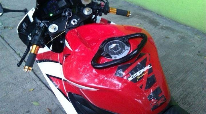 asidero moto deportiva beneficios