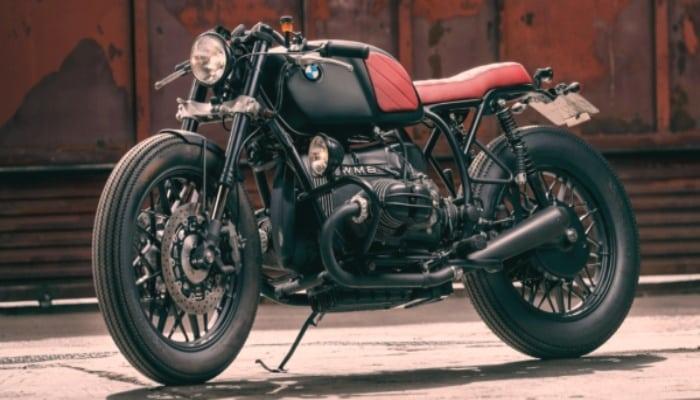 BMW Café Racer roja