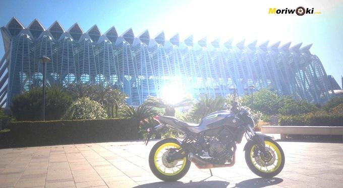 Viajamos a Valencia con la Yamaha MT07