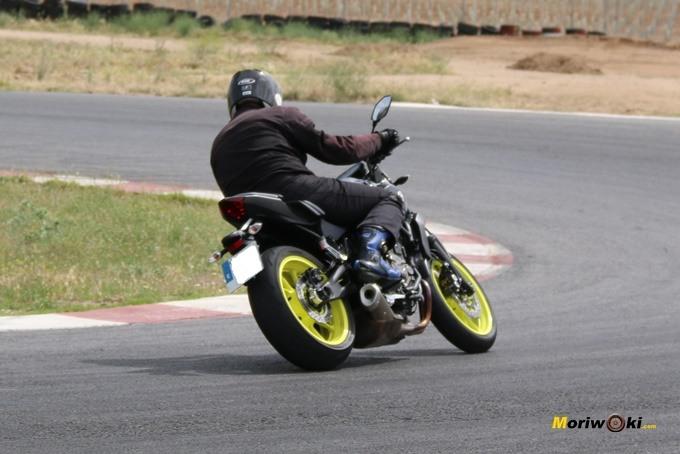 Visión trasera de la Yamaha MT07