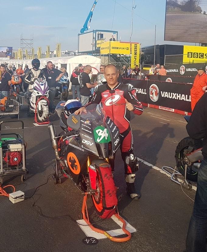 Maeso con la Yamaha MT07 preparada
