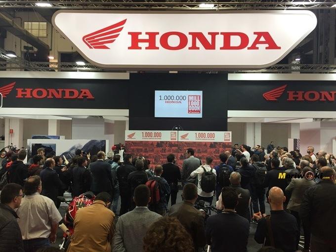Stand de Honda en Vive la Moto de Barcelona