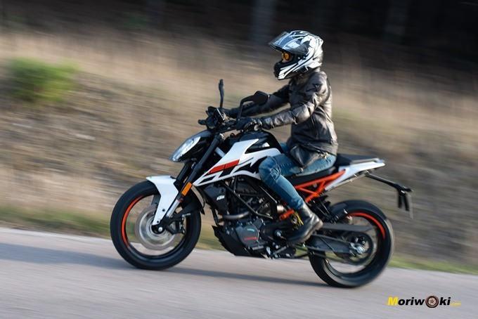 Las mejores motos de 125 2020, entre ellas, la KTM 125 Duke.
