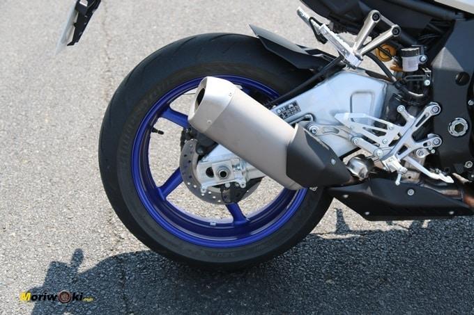 Escape y disco trasero de la Yamaha MT-10 SP