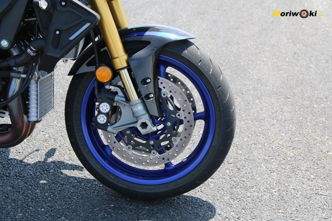 Freno delantero de la Yamaha MT-10 SP