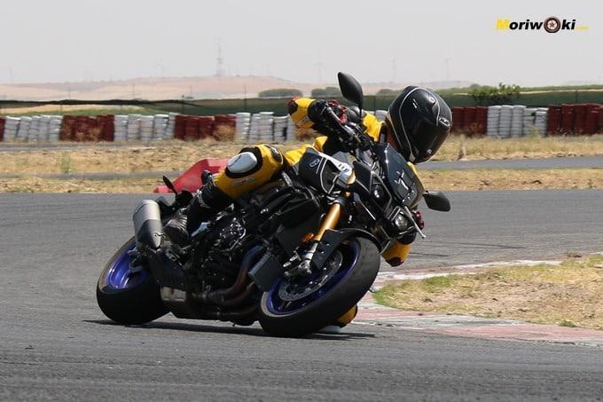 Prueba Yamaha MT-10 en el circuito de FK-1