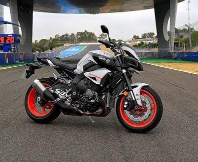 Prueba Yamaha MT-10 en el circuito de Jerez