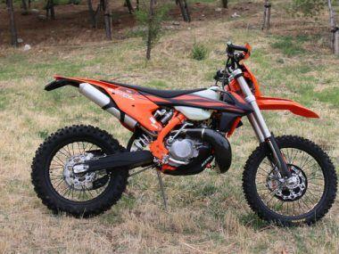 Objetivo Enduro +100 La Moto KTM 300 TPI