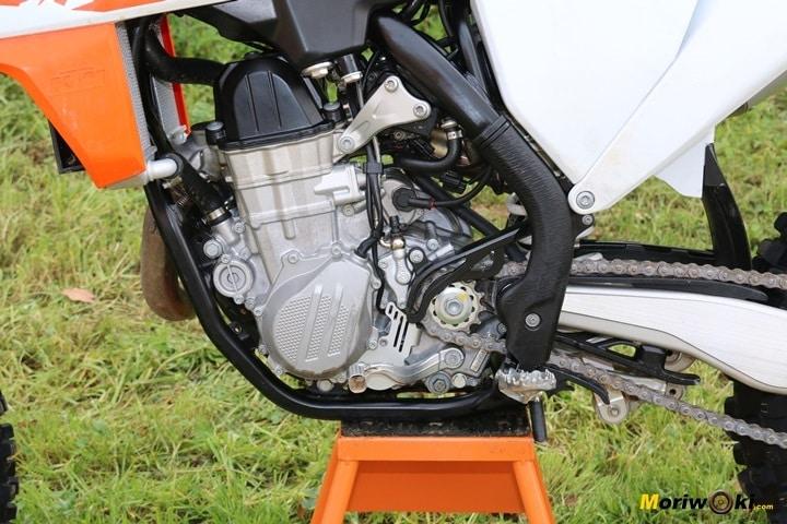 Motor de 449 cc en la prueba de la KTM 450 SX-F