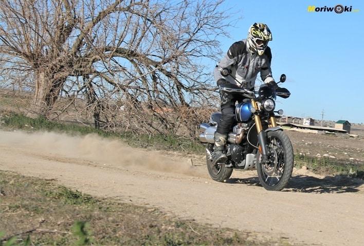 Prueba Triumph Scrambler 1200 XE Ruta trail