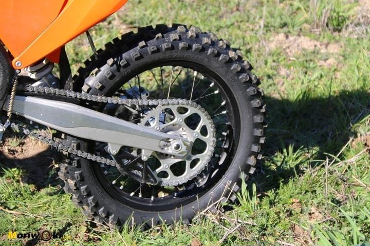 Nuevo basculante de la KTM EXC 450 2020.