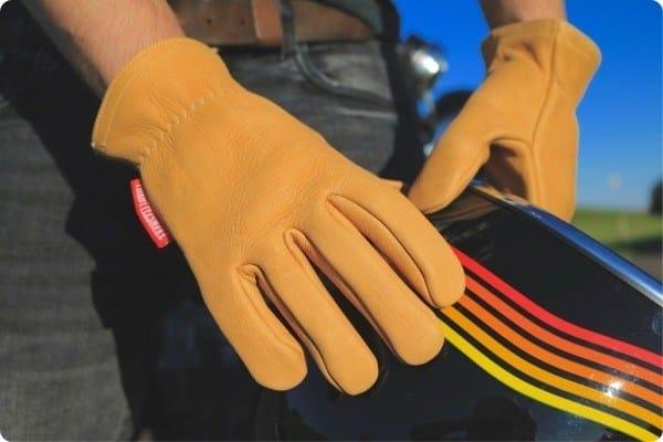ventajas guantes cafe racer