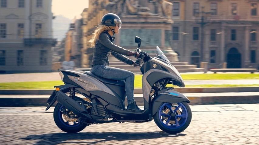 Mejores scooters de tres ruedas. Yamaha Tricity 125