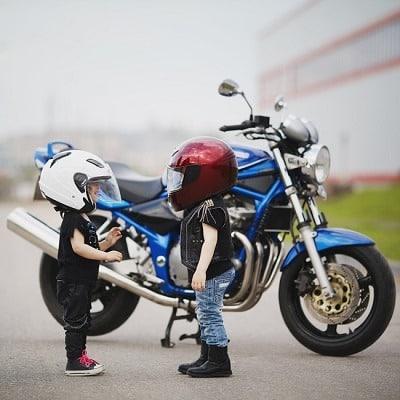 Los mejores cascos de moto para niños
