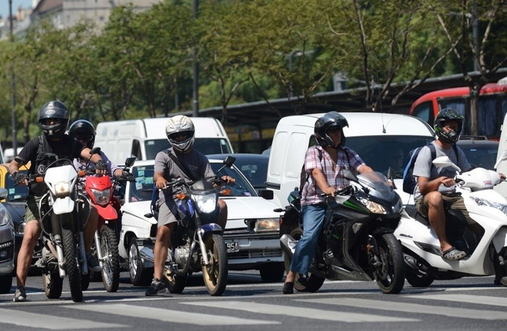 Motoristas en la ciudad