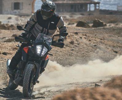 Derrapando con la KTM 390 Adventure