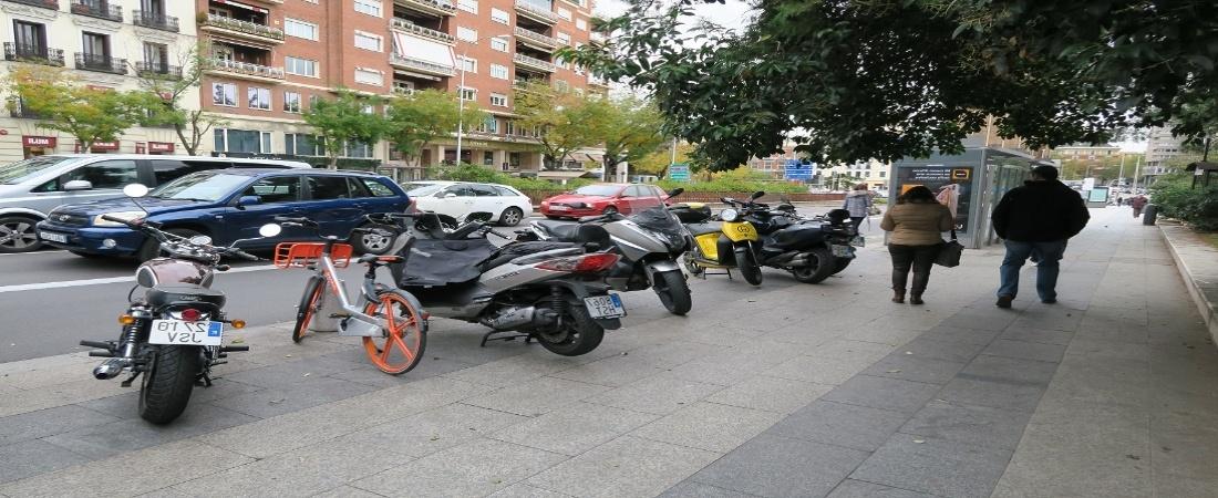 Cómo aparcar bien la moto
