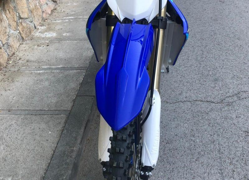 Prueba Yamaha YZF450 . Vista frontal
