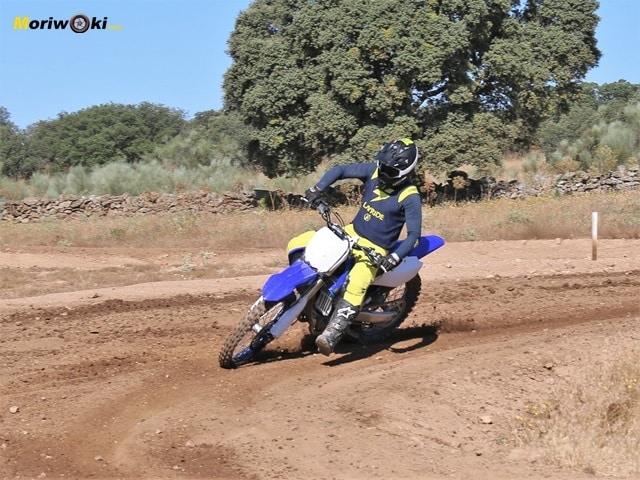 Prueba en curva de la Yamaha YZ 450 F