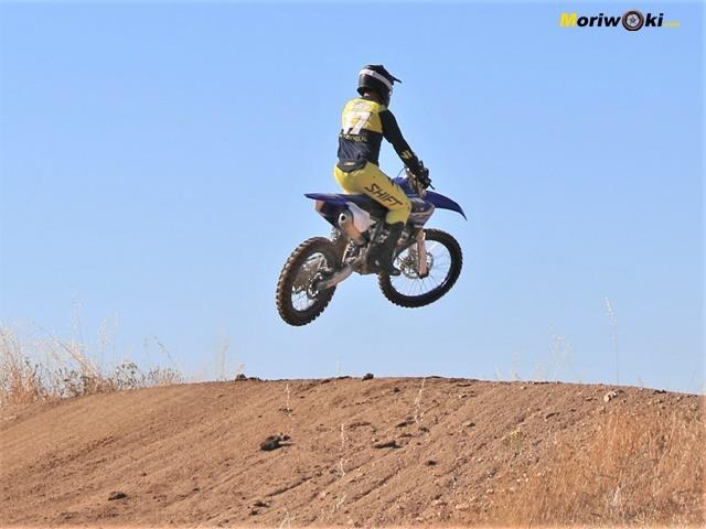 Prueba Yamaha YZF450 Salto.