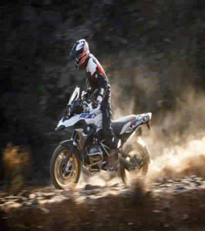motorizado realizando Trail