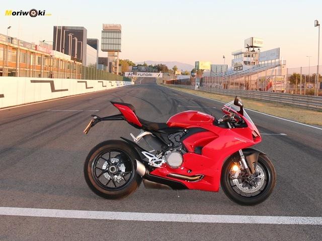 Ducati Panigale V2 perfil derecho