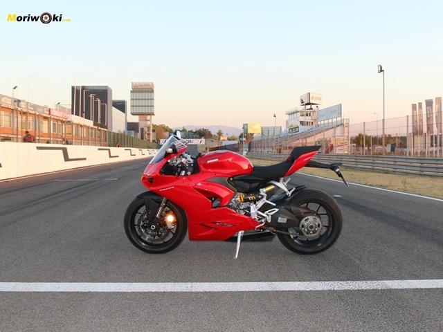 La Ducati Panigale V2 en el Jarama.