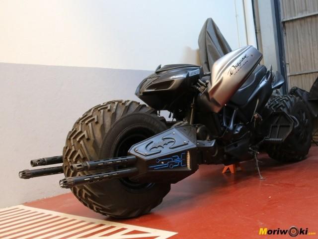 La moto de Batman de Dragon TT