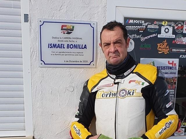 4Horas Ismael Bonilla. Placa conmemorativa.