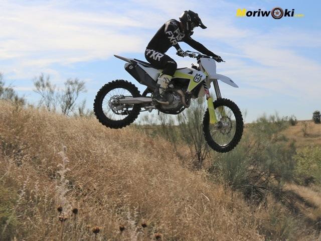 Bajando en el aire con la Husqvarna FC 450