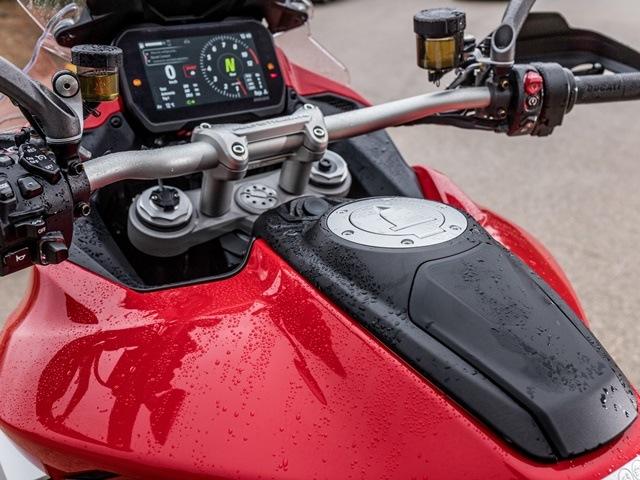 Prueba Ducati Multistrada V4, Deposito