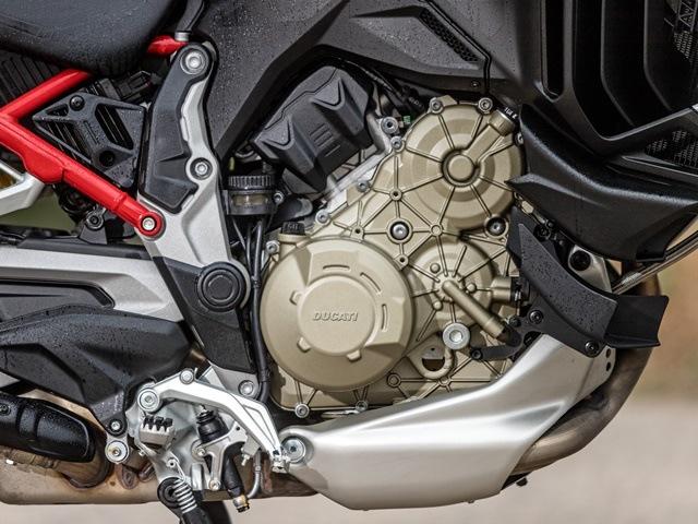Prueba Ducati Multistrada V4. Motor y colector