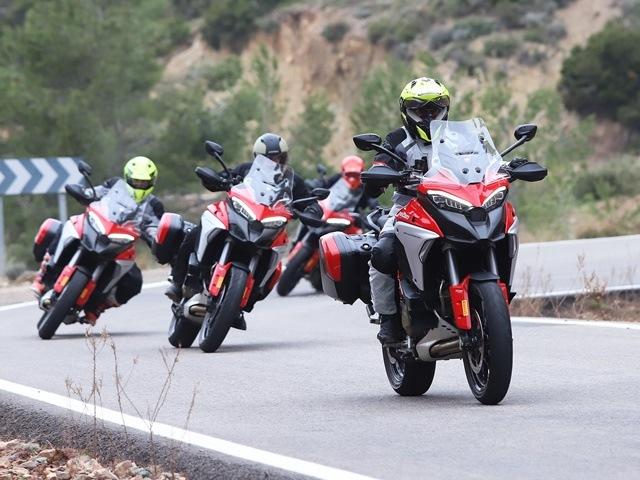 Prueba Ducati Multistrada V4. Grupo.